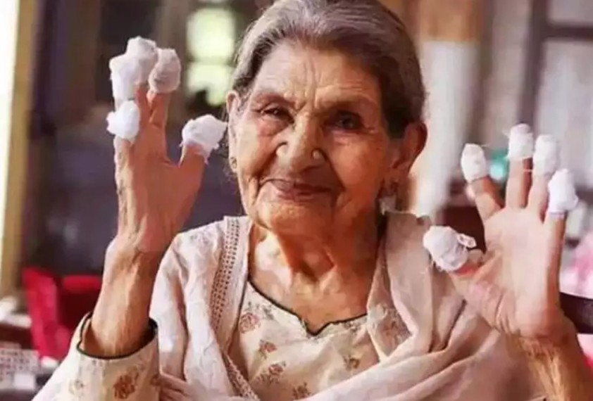 'Gulabo Sitabo' Actress Farrukh Jaffar Dies At 89