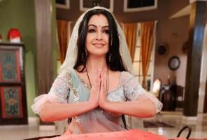 'Bhabhi Ji Ghar Pain' Actor Shubhangi Atre 'Felt Honoured' After Fans Tagged Her In Lookalike Statue