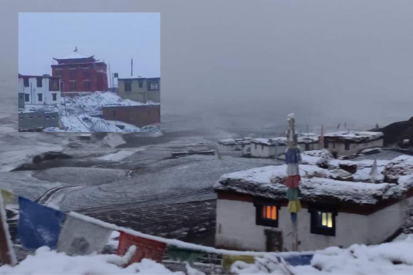 Komic, World's Highest Motorable Village In Himachal, Gets Season's First Snowfall