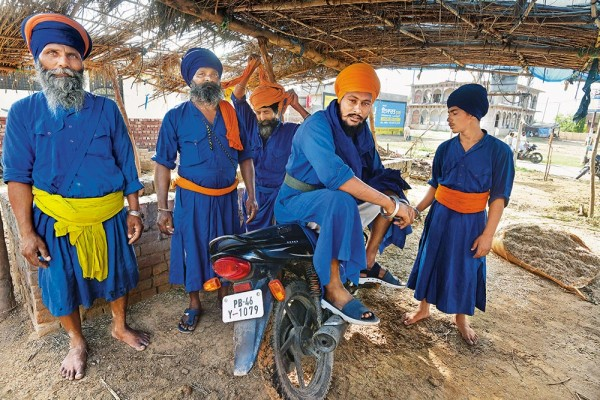 The Nihangs: Sikh Warrior Creed That Evokes Respect And Fear In Equal Measure
