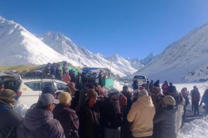 Himachal Pradesh: 5 Trekkers Found Dead At Lamkhaga Pass; Two Alive But Critical, Four Still Missing