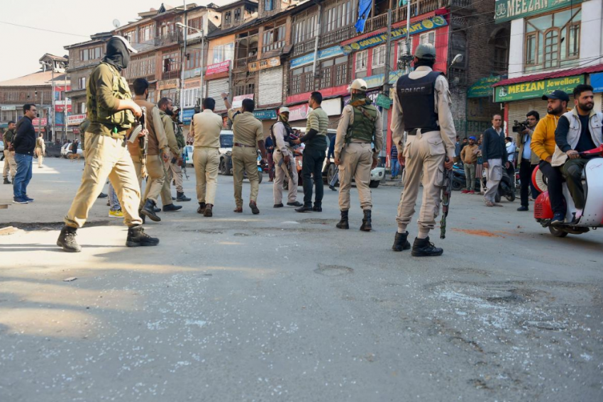J&K Police Seize All Two-Wheelers On Kashmir Roads In Sudden Move