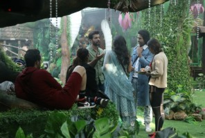 'Bigg Boss' To Contestants: Lose Rs 25 Lakhs From The Prize Money Or Get Out