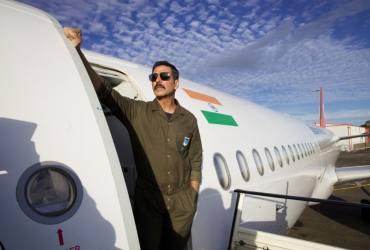 Akshay Kumar's 'Bellbottom' Hits Theatre Screens Once Again As Cinema Halls Reopen In Maharashtra