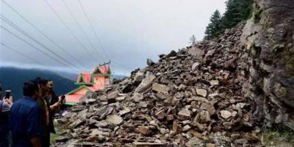 J&K: Landslides Block Jammu-Srinagar Highway, Mughal Road Closed After First Snowfall