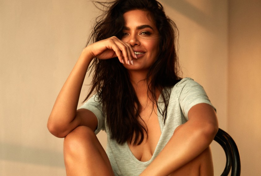 Esha Gupta Stormed Out Of A Film Set After The Director Abused Her