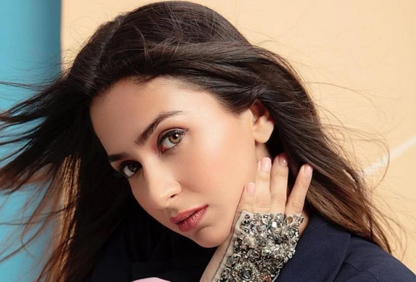 Malvika Raaj To Make Her lead Bollywood Debut With 'Squad'
