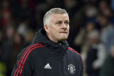 Ole Gunnar Solskjaer Leads Manchester United Practice Amid Scrutiny On His Old Trafford Future