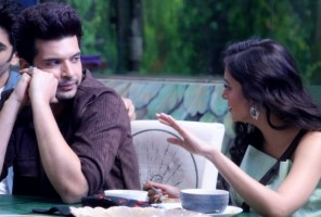 Tejasswi Prakash And Karan Kundrra's Romance Starts Blooming Inside 'Bigg Boss 15'