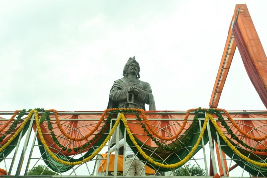 Gurjar Leader Who Defaced Yogi's Name On Mihir Bhoj's Statue Gets Bail, Accuses UP Police Of Double Standards