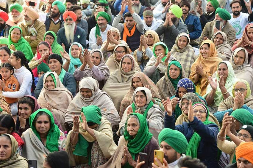 UP's Bijnor Sees Swarms Of Farmers At Mahapanchayat Against Centre's New Farm Laws
