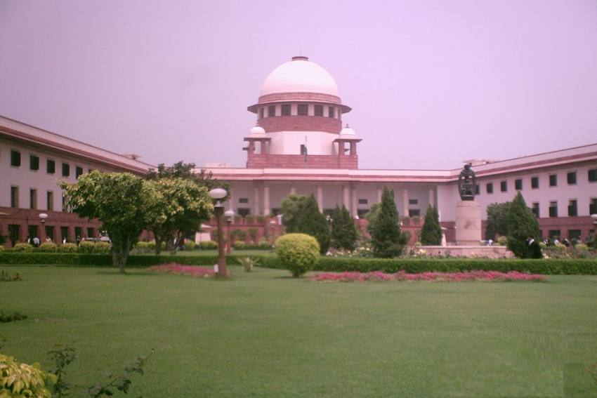 SC Agrees To Hear Plea By NCW Against Bombay HC 'Skin To Skin Contact' Verdict