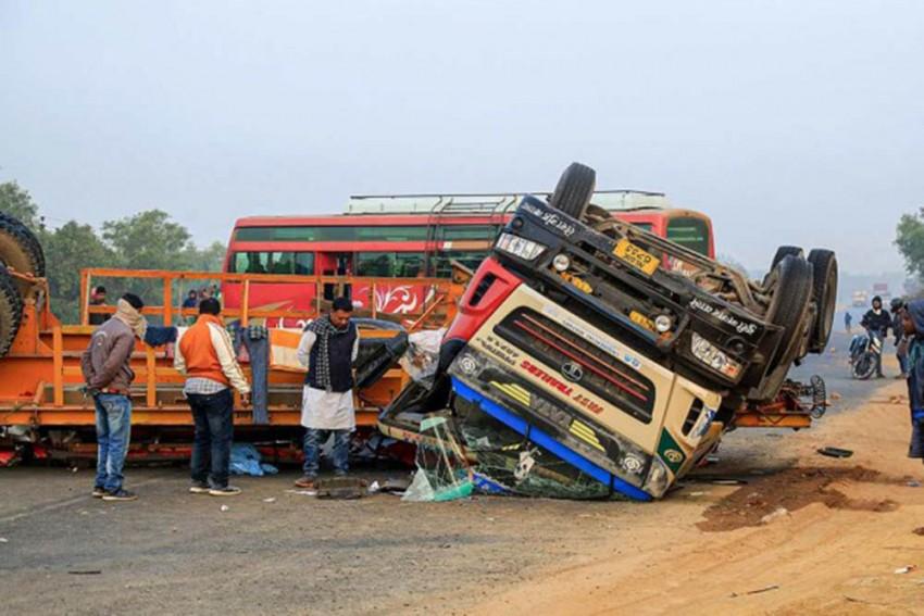 Andhra Pradesh: Road Accident Leaves 14 Dead, 4 Injured