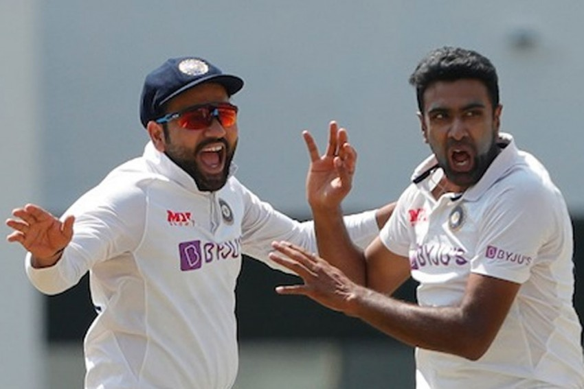 Ravichandran Ashwin Becomes First-ever Bowler To Dismiss Left-handers 200 Times In Test Cricket