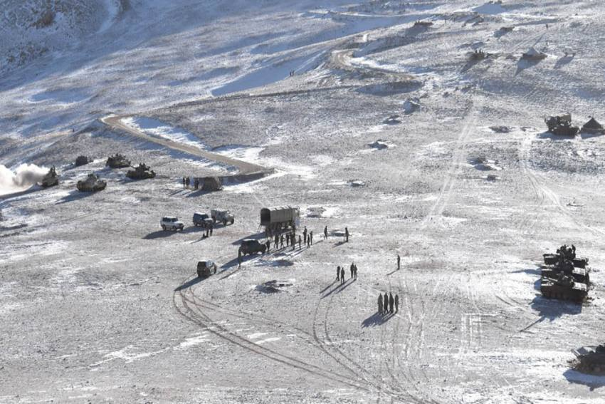 Chinese Army Dismantles Tents And Bunkers In Eastern Ladakh: Reports