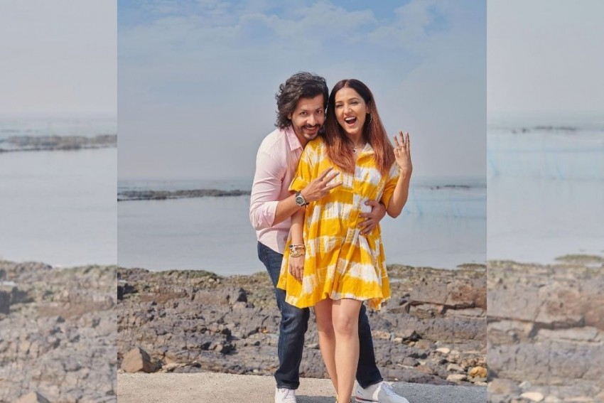 Singer Neeti Mohan Is Expecting First Baby With Hubby Nihaar