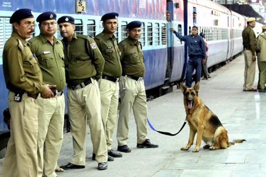 Unclaimed Bag Containing Rs 1.4 Cr Cash Found On Swatantrata Sangram Senani Express