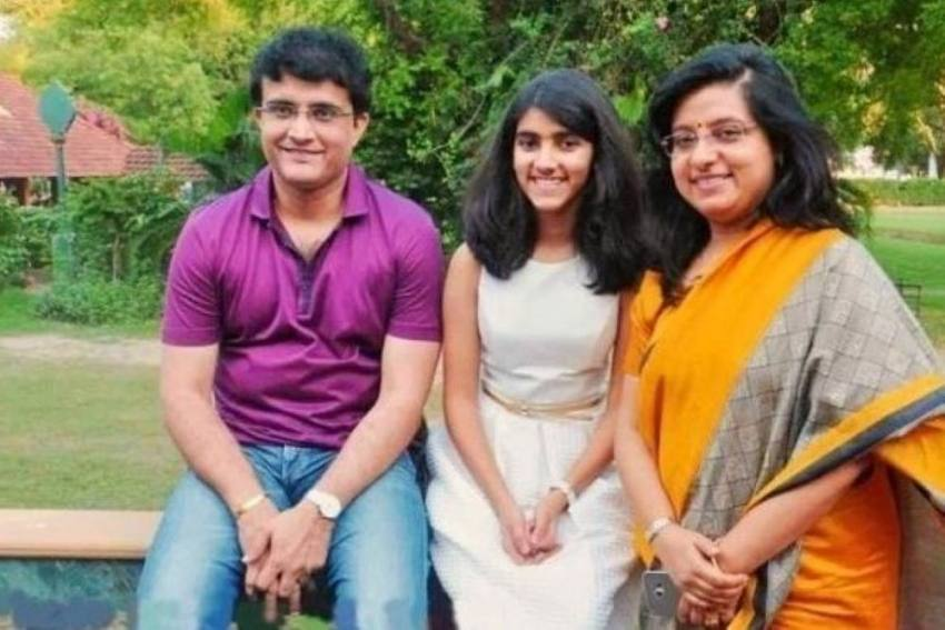 Fake Facebook Account With 70,000 Followers Make Sourav Ganguly's Wife Dona Seek Police Help
