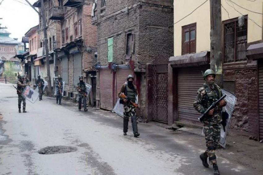 Civilian Wounded In Militant Attack In High-Security Srinagar Area Amid EU Envoys' Visit