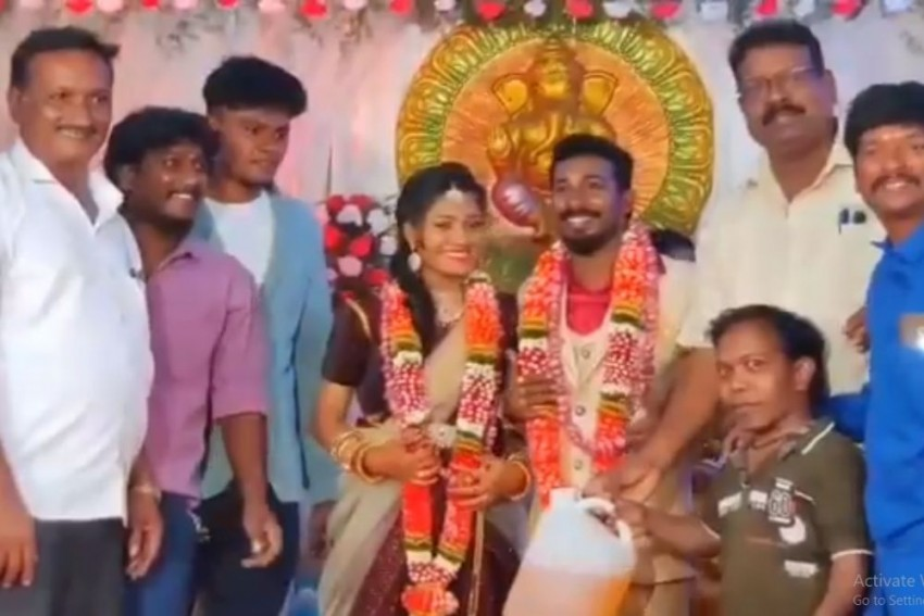 Watch: New Couple Receives LPG Cylinder, Onions, Petrol As Wedding Gifts In Tamil Nadu