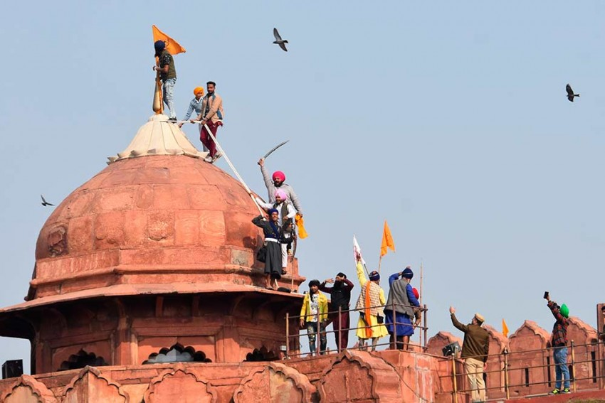 Republic Day Violence: Man Who Climbed Red Fort Tomb Held