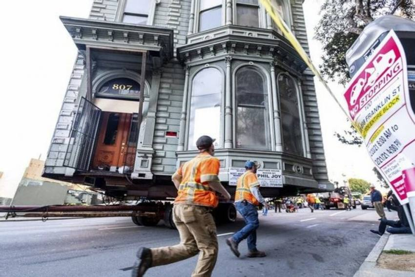 Not Your Ordinary House Shifting! Victorian House In San Francisco Shifted To New Location, Costing Rs 2.9 Crore