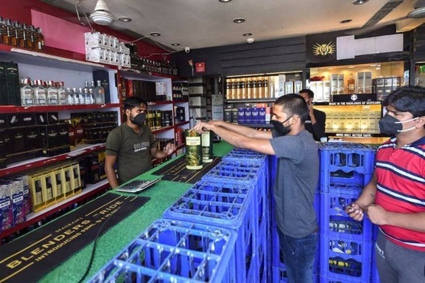 Delhi Govt Warns Clubs, Bars To Refrain From Using Liquor Bottles Without 2D Bar-Code