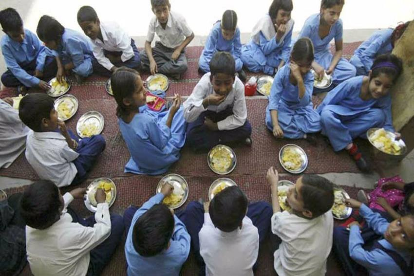 42 Students Admitted To Hospital After Eating Hostel Food In Punjab