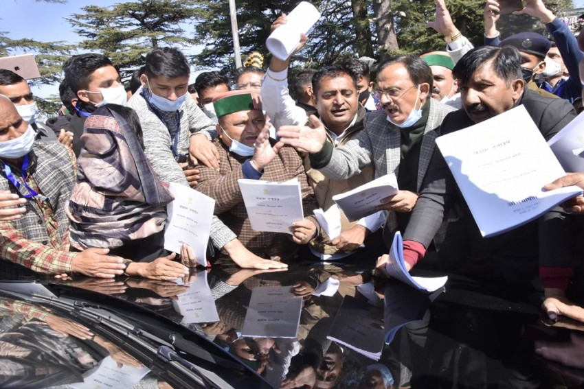 5 Cong MLAs Suspended After 'Manhandling' Of Governor In Himachal Assembly