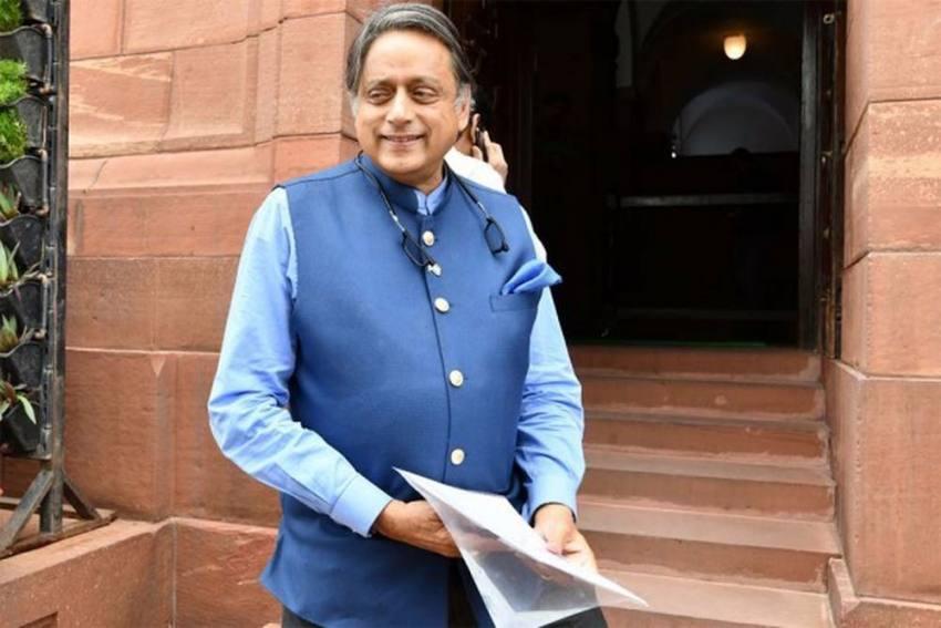 Shashi Tharoor Pulls Autorickshaw In Symbolic Protest Against Fuel Price Hike