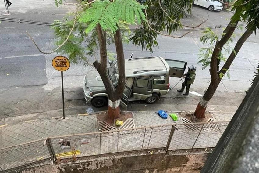 CCTV Footage Shows Innova Linked To Explosives Scare Near Ambani's House Leaving Mumbai