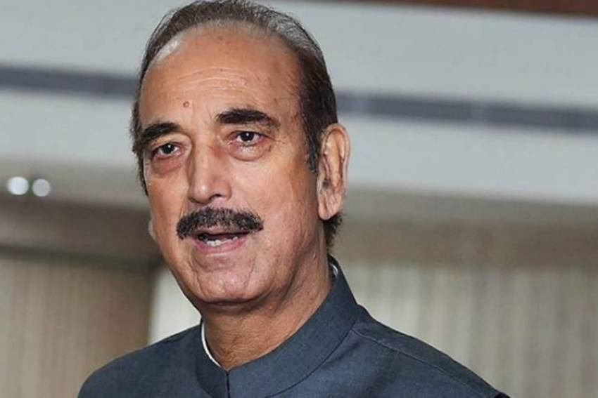 Congress Leader Ghulam Nabi Azad Praises PM Modi For Being Vocal About His 'Tea-Seller' Past