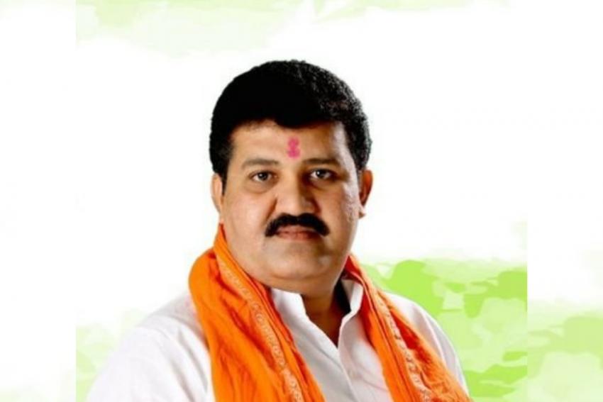 Puja Chavan Death Case: Shiv Sena Leader Sanjay Rathod Resigns From Maharashtra Cabinet