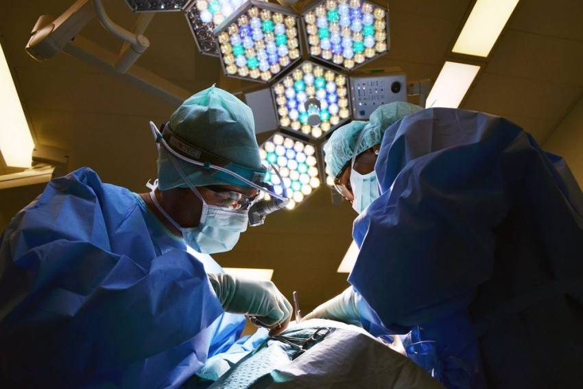 California Doctor Attends Court Video Call While Performing Surgery, Faces Investigation
