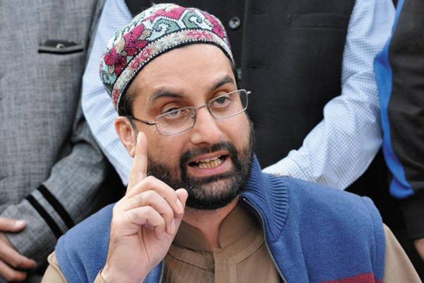 Centre Claims No One Is Under House Arrest In J&K; Hurriyat Expresses Surprise