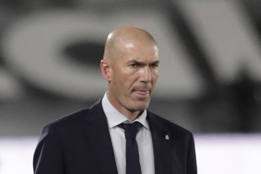 Defiant Zinedine Zidane Vows Under-fire Real Madrid Won't Throw In The Towel