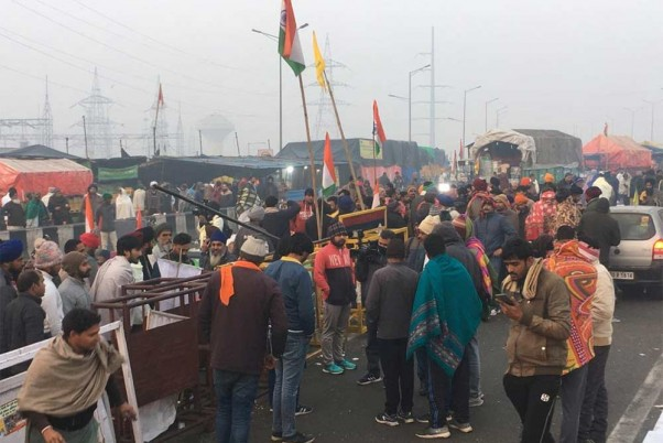 Internet Suspended For 24 Hours At Farmers' Protest Site In Delhi Outskirts