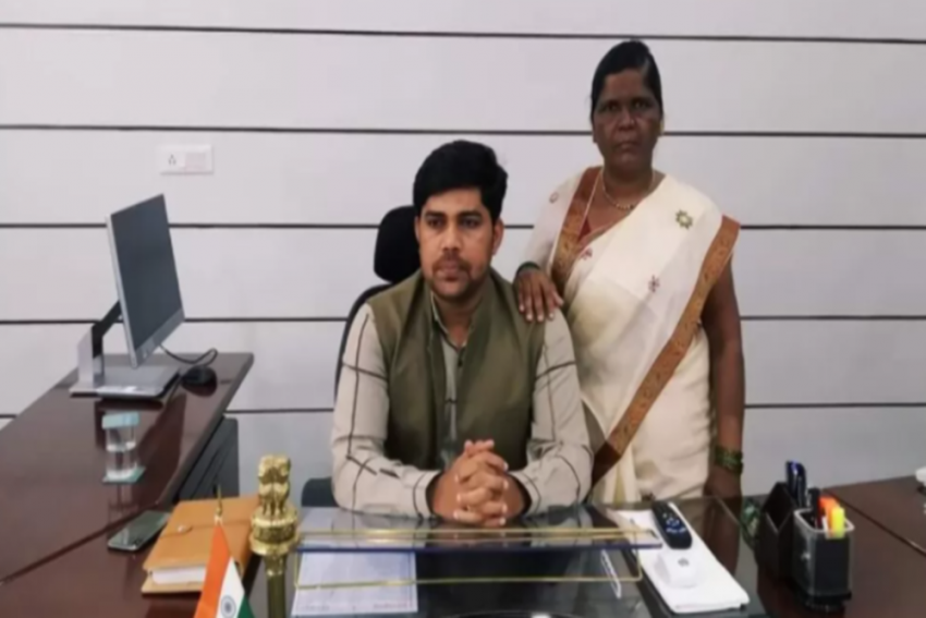 Meet Ramesh Gholap, A Specially-Abled Bangle Seller Who Became IAS Officer