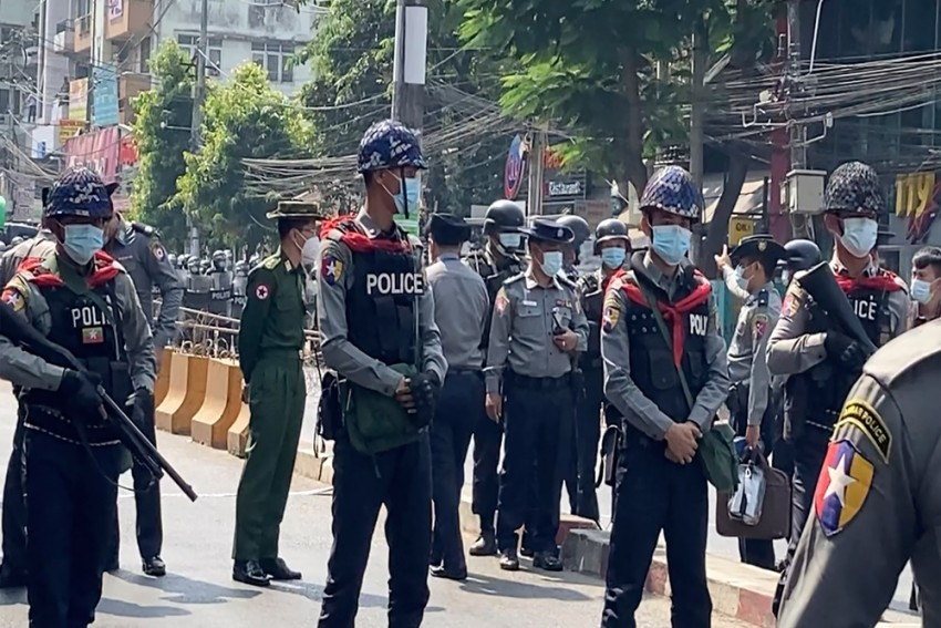 Myanmar Demonstrators March Again On Streets, Defying Bans On Protests