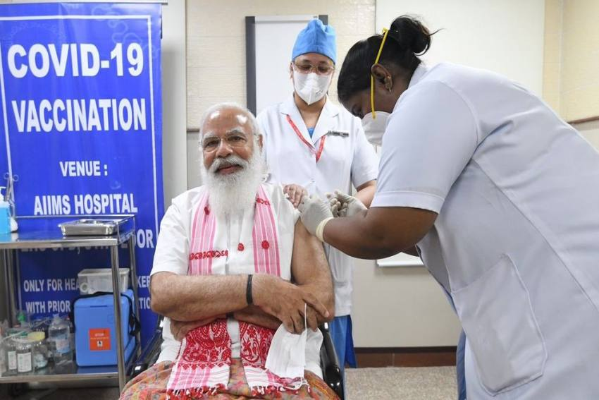 PM Modi, Vice Prez Naidu; Politicians Get Their First Jab of Covid Vaccine: Check The List
