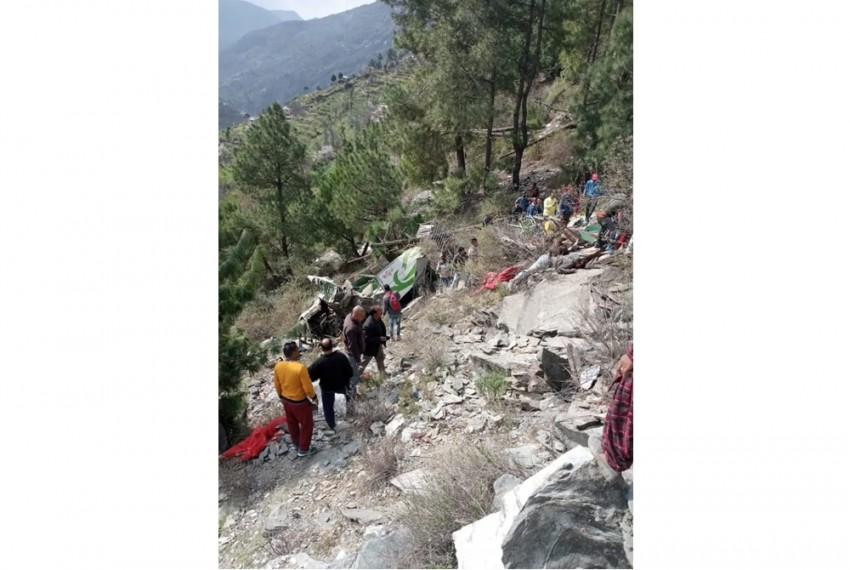 Nine Dead, 12 Injured As Bus Falls Into Gorge In Himachal's Chamba