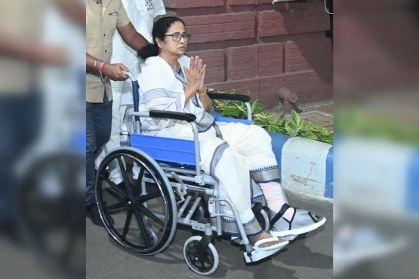 Mamata Banerjee Holds Roadshow In Kolkata On Wheelchair