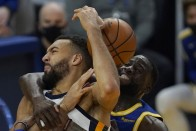Draymond Green, Stephen Curry Help Warriors Upstage NBA-leading Jazz, Zion Williamson's Pelicans Stun Clippers