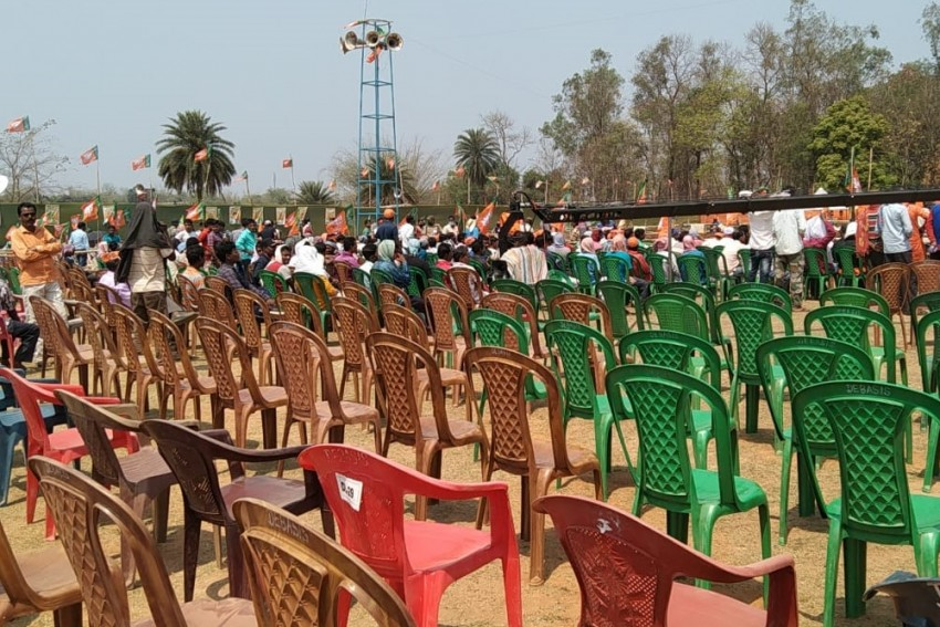 Empty Chairs In BJP Rallies: Has The Party Lost Momentum In Bengal?