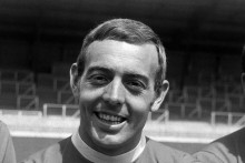 Liverpool Great Ian St John Dies Aged 82