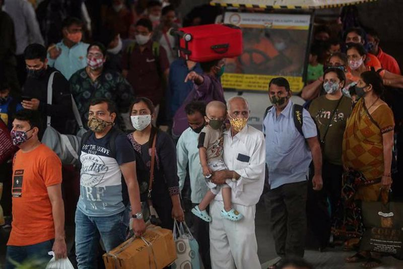 Covid-19: Rs 4 Crore Collected From Maskless People In Mumbai, 300 Fined In Delhi metro