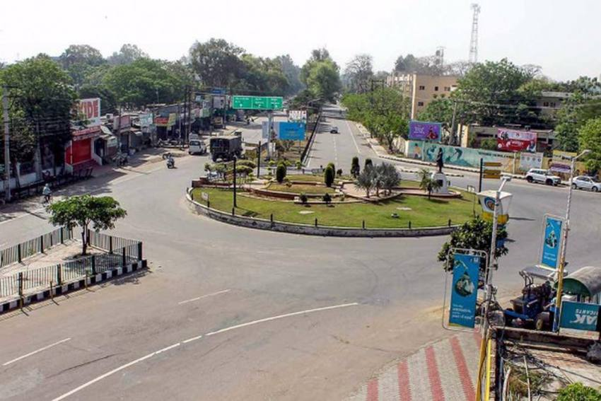 Bharat Bandh: Traffic Movement Suspended On Delhi-UP Ghazipur Border In View of Farmers Protest