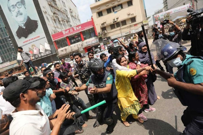 Over 20 Injured In Dhaka As Police Fire Rubber Bullets, Tear Gas At Protestors Over PM Modi Visit