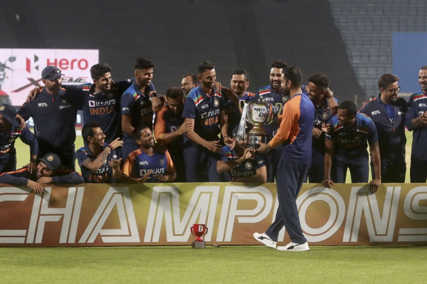 IND Vs ENG, 3rd ODI: Sam Curran Carries England Close But India Still Secure Series