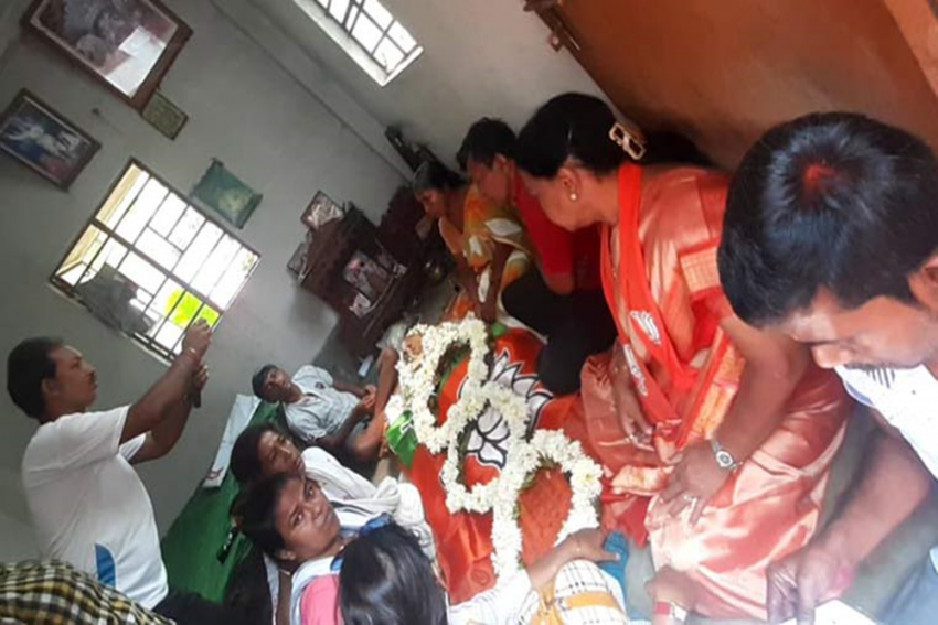 Mother Of Bengal BJP Worker Who Was Allegedly Attacked By 'TMC Goons' Dies